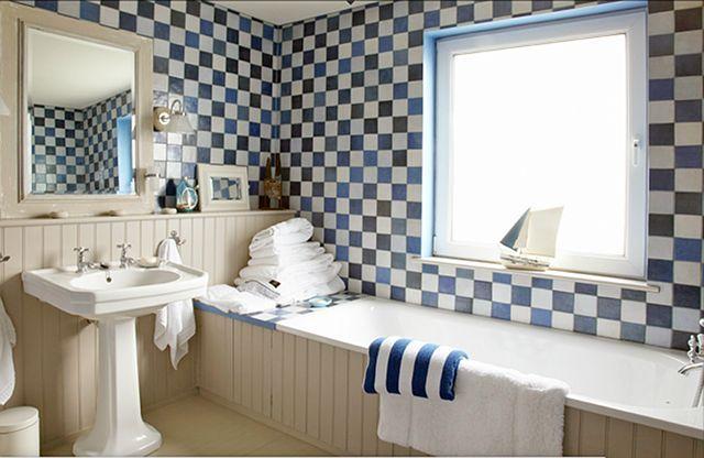blue & white nautical bathroom