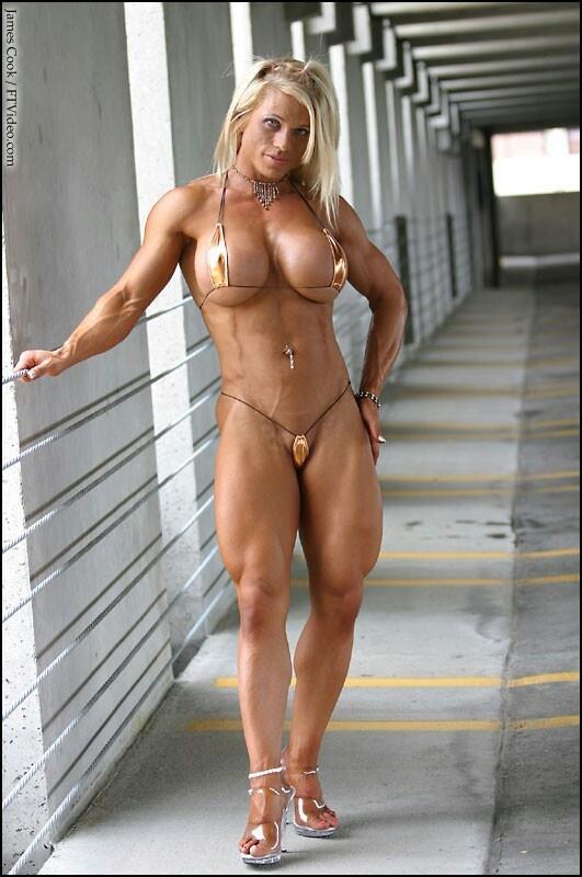 Sexy Nude Muscle Girl
