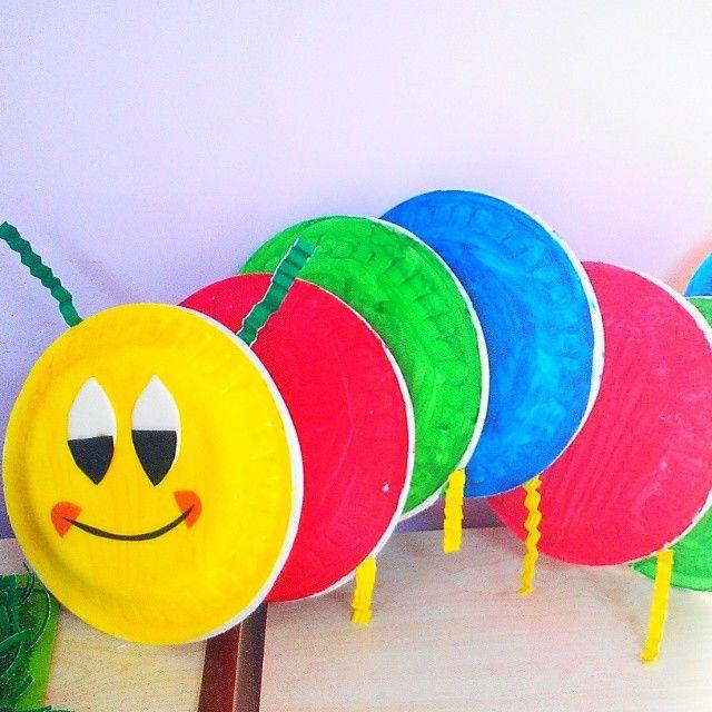 Paper plate caterpillar craft rupsje nooitgenoeg for Caterpillar crafts for preschoolers