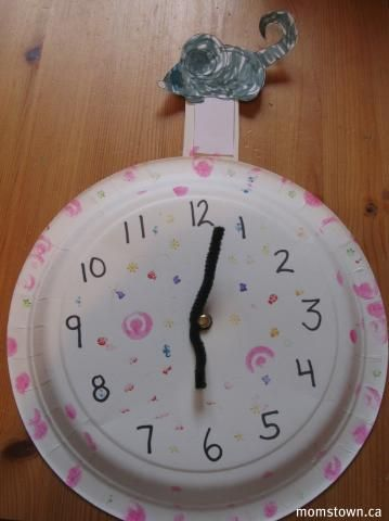 """Hickory Dickory Dock"" Clock -- Need paper plates, paper strips, mouse cutouts, brads, pipe cleaners"