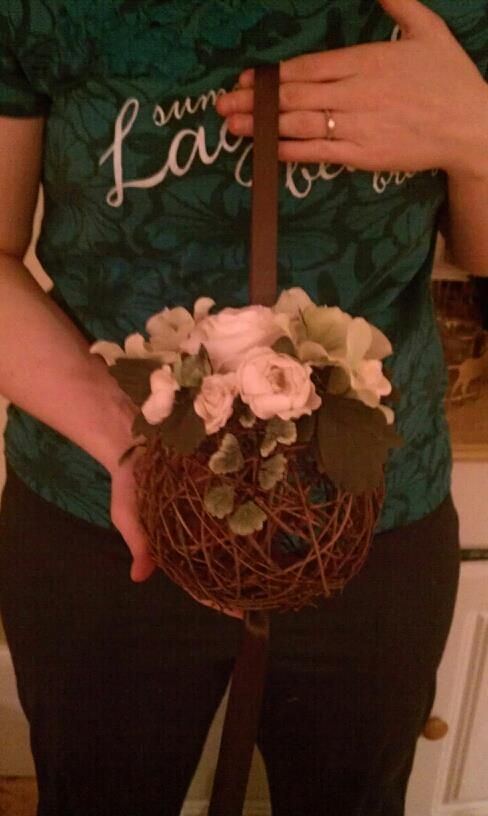 grapevine flower balls for rustic bridesmaids bouquet.  Would be cute with fall flowers, but how would they carry these?