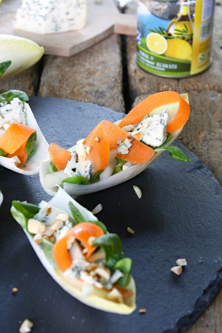 Wallflower with cheese, peanuts and lemon-olive oil