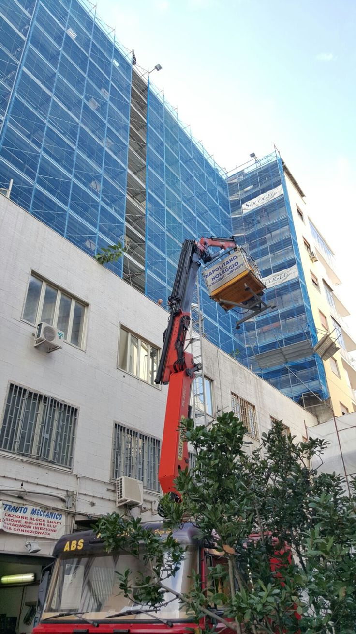 La tua #casa necessita di #lavori #edili e opere di #ristrutturazioni in #Napoli #Pozzuoli #Posillipo #Vomero #Fuorigrotta #Bagnoli #Campania #Italia?. Per #preventivi trasparenti e affidabili contatta SOCOGEG S.r.l., impresa di #Napoli specializzata nella #progettazione e realizzazione di #opere di #manutenzione di edifici di ogni genere. Per richiedere un preventivo non esitate a contattarci SOCOGEG S.r.l. geometra.valente@libero.it info@socogeg.it Tel. 081/0879030