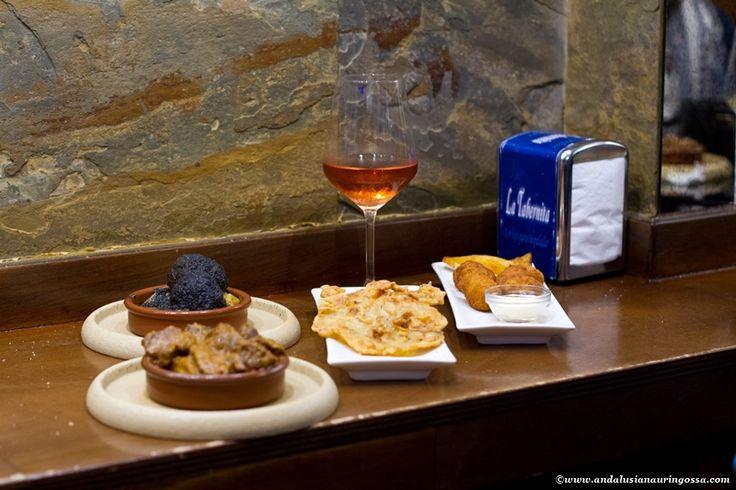 On the blog now all my favourite addresses for making the most of Cádiz and rest of Andalusian Sherrycountry <3 #travelblog #travelblogger #foodblog #foodblogger #foodie #foodietravels #Cadiz #Andalusia #ElPuertoDeSantaMaria #SanlucarDeBarrameda #Jerez #JerezDeLaFrontera #visitSpain #visitAndalusia #wanderlust #exploretheworld #travel #travelphotography