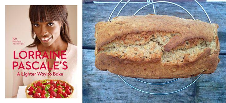 Skinny banana bread a lui Lorraine Pascale | Chicineta
