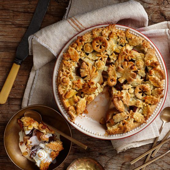 Apple and Caramel Pie - Le Creuset Recipes