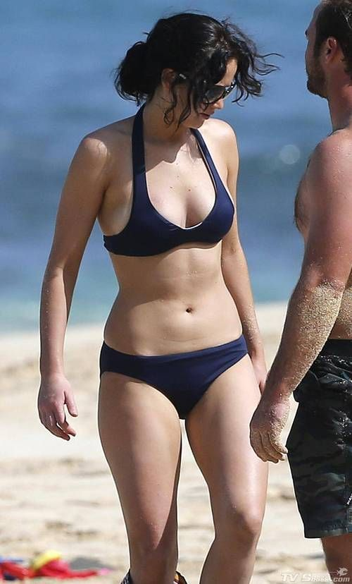 jennifer lawrence bikini | TV Shark - Jennifer Lawrence Bikini Skirt Photos / Pictures Gallery ...