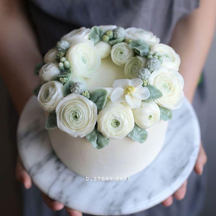 Butter cream flower cake https://www.instagram.com/d.storycake