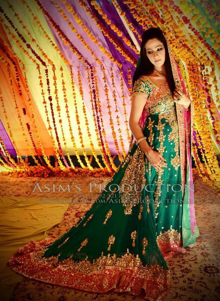 7604deec02 Pakistani Bridal mehndi outfit | Mehndi | Pakistani mehndi dress, Pakistani  bridal dresses, Mehndi dresses 2016