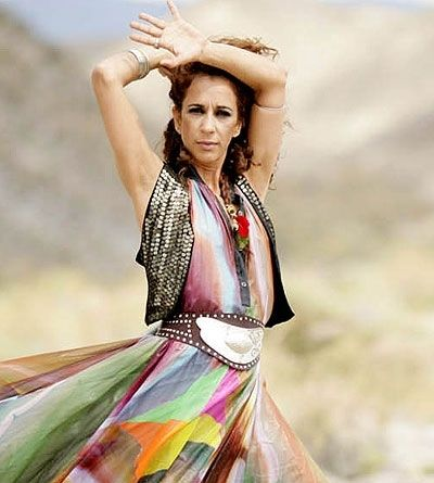 Spanish Singer and actress: ROSARIO FLORES..very colorful!