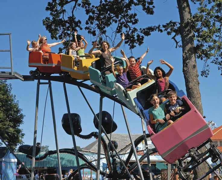 Every city has its own special sights. Why not use these as a way to spend time together. #Amusement parks are best to enjoy with friends and family.