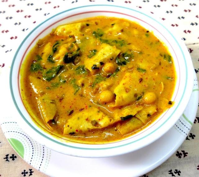 A yoghurt based fenugreek seeds and popadum curry- a Rajathani speciality