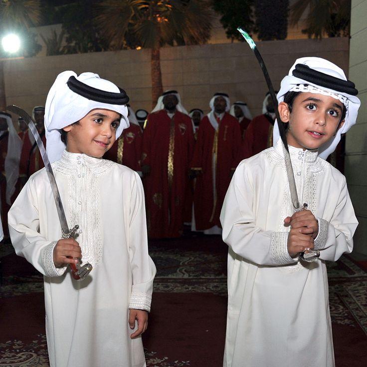 Hamad y Mohammed bin Nasser bin Hamad Al Khalifa, boda de Khaled bin Hamad bin Essa Al Khalifa, 08/07/2017.  Hamad y Mohammed bin Nasser bin Hamad Al Khalifa, boda de Khaled bin Hamad bin Essa Al Khalifa, 08/07/2017.  Vía: hhskmedia
