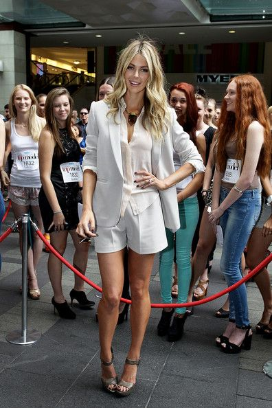 Jennifer Hawkins - Australia's Next Top Model -  Sydney Auditions