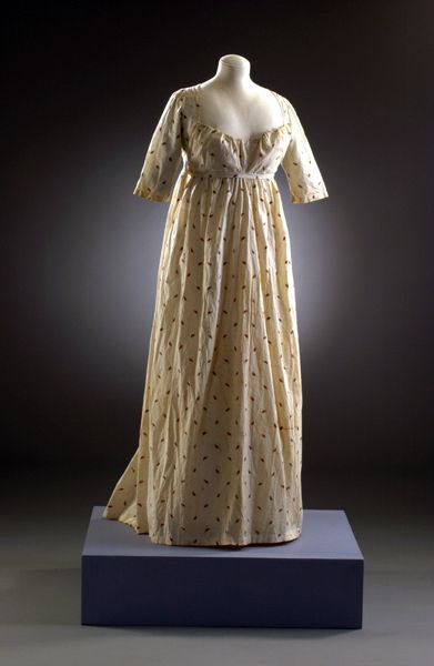 1803-07 dress from http://www.museumofcostume.co.uk/collections/collection_search/SearchDetails.aspx