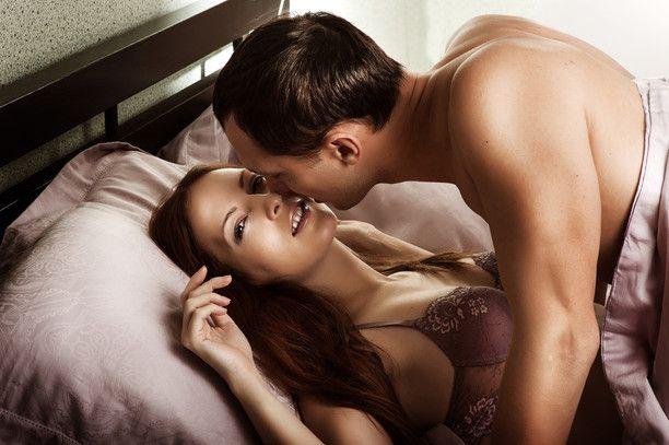 Если вы когда-нибудь задавались вопросом, в какой позе любят заниматься сексом, скажем, страстные итальянцы, вы узнаете это из нашей статистики! Бразилия: самба на боку Она: лежит на боку, повернувшись спиной к партнеру и согнув ноги под прямым углом к телу. Он: входит в неё сзади, приподнимает свой торс и опирается на локоть, а другой рукой …