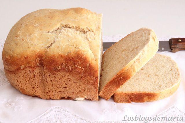 Pan de campo en panificadora-  INGREDIENTES : 350 ml de agua,1 cucharada de azúcar,1 cucharadita de sal,40 ml de aceite de oliva virgen extra,525 gramos de harina de fuerza,7 gramos de levadura fresca