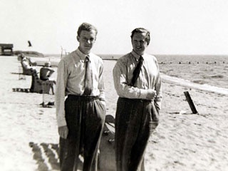 Benjamin Britten & Peter Pears / Long island 1959