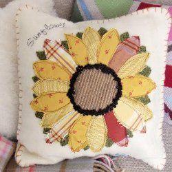 Sunflower Applique Pillow & 1000+ images about Pillows on Pinterest   Applique pillows Quilt ... pillowsntoast.com