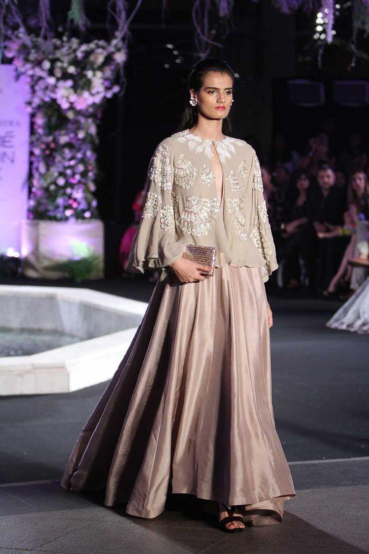 Manish Malhotra | Lakme Fashion Week Winter Festive 2016 #LFWWF2016 #manishmalho...