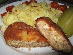 """""""Holandský řízek""""   SUROVINY 500g mletého masa, 300g eidamu, 2 celá vejce, 1 polévková lžíce plnotučné hořčice, 3 stroužky česneku, 1 čajová lžička Harmonie chuti (nebo jiné dochucovadlo např. Vegeta, Kuchárek atd.), dle potřeby sůl…hladká mouky, 2 celá vejce, 1 polévková lžíce mléka a strouhanka na obalení"""