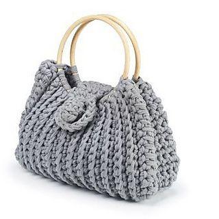 Crochet Bag by Boodles--free pattern @ Ravelry