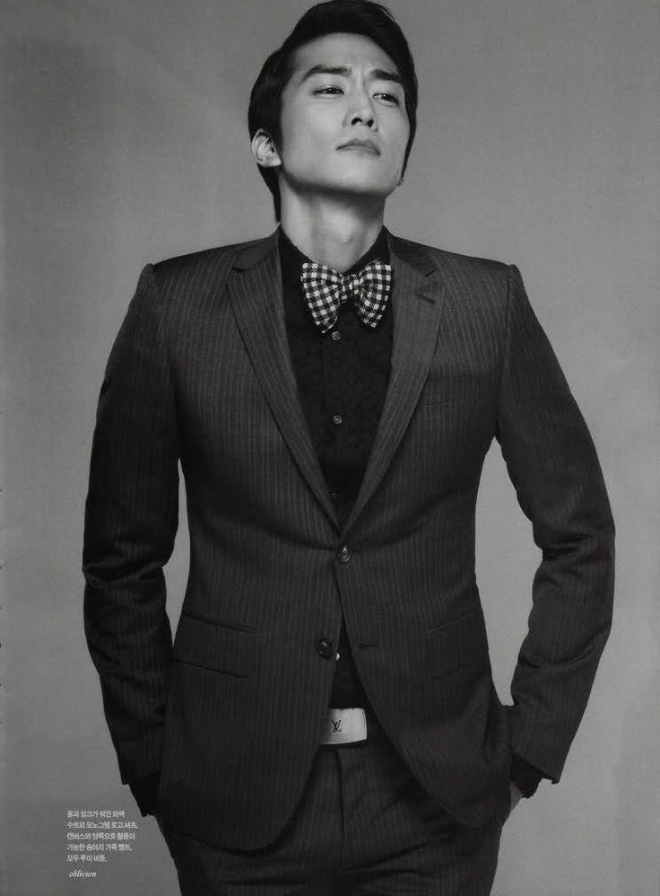 44 Best Men In Suits Tux Images On Pinterest Korean
