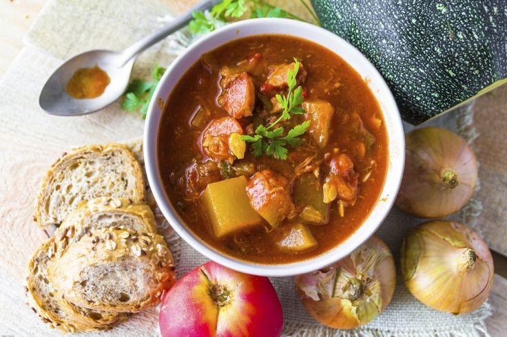 Leczo z cukinii to cudowne, letnie danie. Łatwe w przygotowaniu, pełne warzyw, z minimalną ilością tłuszczu, kolorowe, duszone...