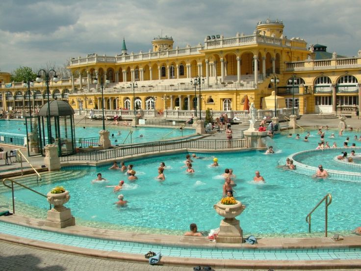 Bains thermaux à Budapest   bain Budapest   thermes Budapest