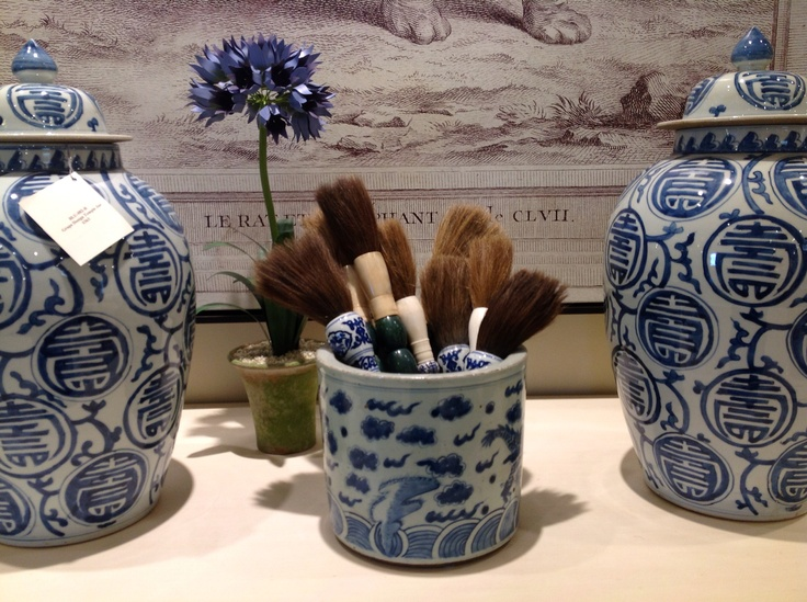 ::Surroundings:: Blue and White Ceramics, love it when it's grouped together.