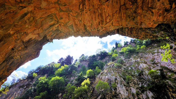 https://flic.kr/p/yjk5yJ | A patch of sky | Black cave, Evrytania, Greece
