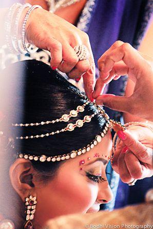 indian wedding hair makeup jewelry http://maharaniweddings.com/gallery/photo/4834