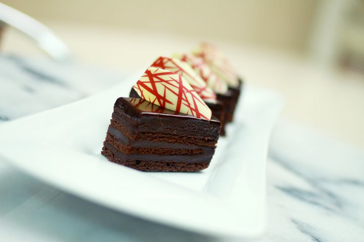 Taste our Pastry Chef's latest #delicacy: the #chocolate & #raspberry #cake