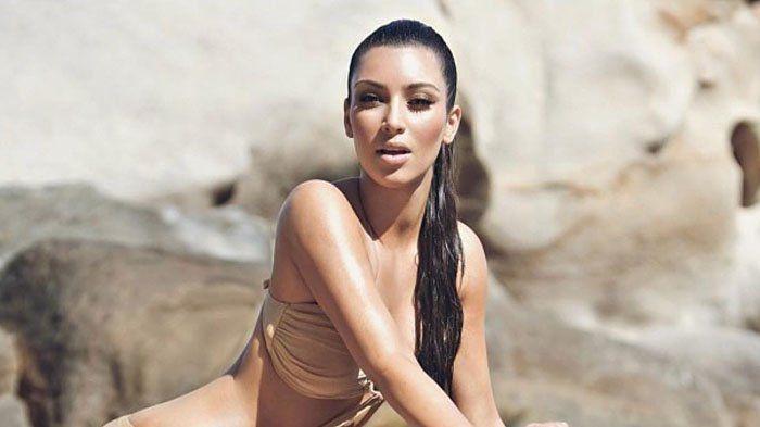 kim kardashian nude mirror pic
