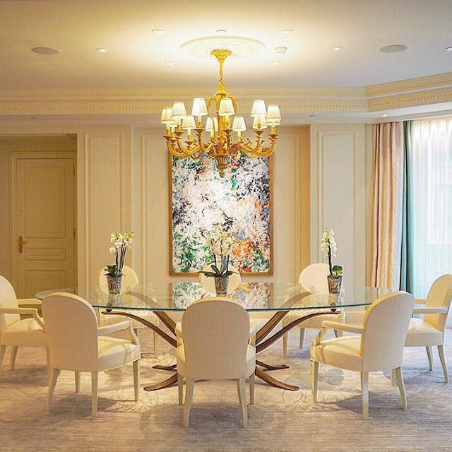 The royal suite dining room at George V .Thanks @fsparis @amarainparis.     ⠀⠀⠀⠀⠀⠀⠀⠀⠀⠀⠀⠀⠀⠀                                            #paris #toppariphoto ⠀⠀⠀⠀⠀⠀⠀⠀⠀⠀⠀⠀⠀⠀ #parisjetaime #france_vacations #pariscityvision #france_holidays #igersparis #découvrirensemble #visitlafrance #loves_france_ #pariscartepostale #ig_france #worldtravelpics #wonderful_places #ig_worldclub  #ig_europe #aplacetoremember #repost  #parisianplanet #parismaville #myroomin #fsparis #royalsuite #georgev…