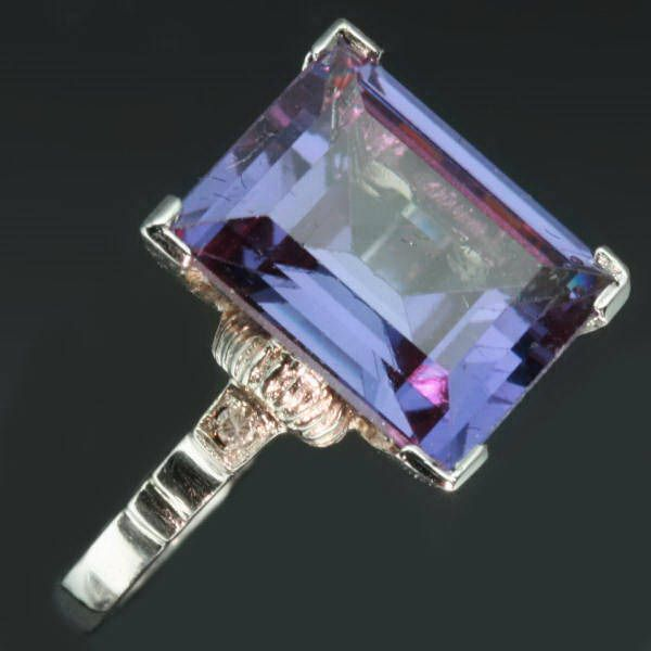 antique alexandrite... could you even imagine?