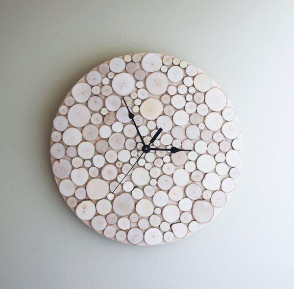 Reloj original con rodajas de troncos
