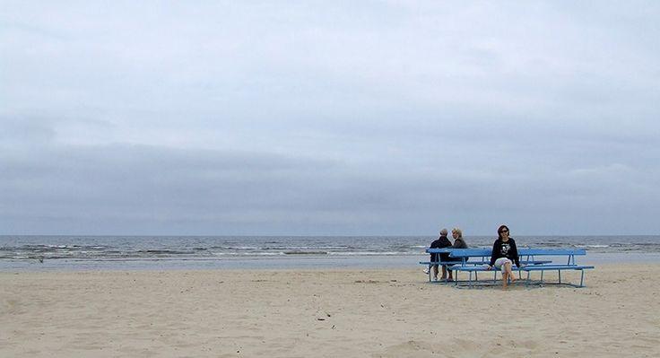 Andare al mare a Riga? Ma certo! a Jurmala vi aspetta la spiaggia più cool delle Ex Unione Sovietica...o almeno lo era a quei tempi.