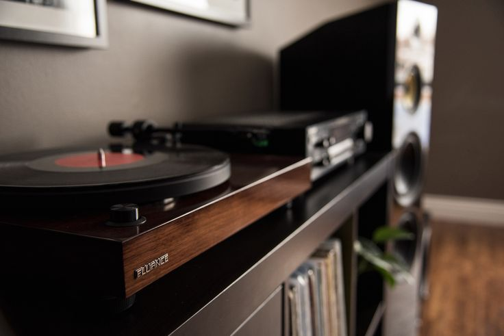 Get the weekend started with your favorite #vinyl records. . . . #fluance  #turntable #deck #record #musiclover #highfidelity #hifi #spin #respecttherecord #recordplayer #LPs #recordcollection #lifeat33rpm #vinyl #classic #wax #nowspinning #vinylrecords #RT81 #towerspeakers #speakers #audio #signatureseries