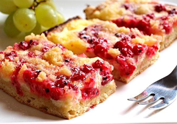 Recept : Kynutý koláč s tvarohem a rybízem, ozdobený drobenkou   ReceptyOnLine.cz - kuchařka, recepty a inspirace