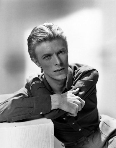 David Bowie photos, including production stills, premiere photos and other event photos, publicity photos, behind-the-scenes, and more.