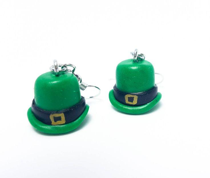 Leprechaun Hat Earrings,Saint Patricks Earrings,St Patricks Day Earrings,Leprechaun Earrings,Earrings,Irish Earrings,Polymer clay green hat #myfimo #bystellakyriakou #etsy #polymerclayjewelry #handmade #handmadejewelry #jewelry #earrings #green #black #stpatricksday #saintpatricksday #irishearrings #stpatricksearrings #leprechaunhat http://etsy.me/2HM21Li