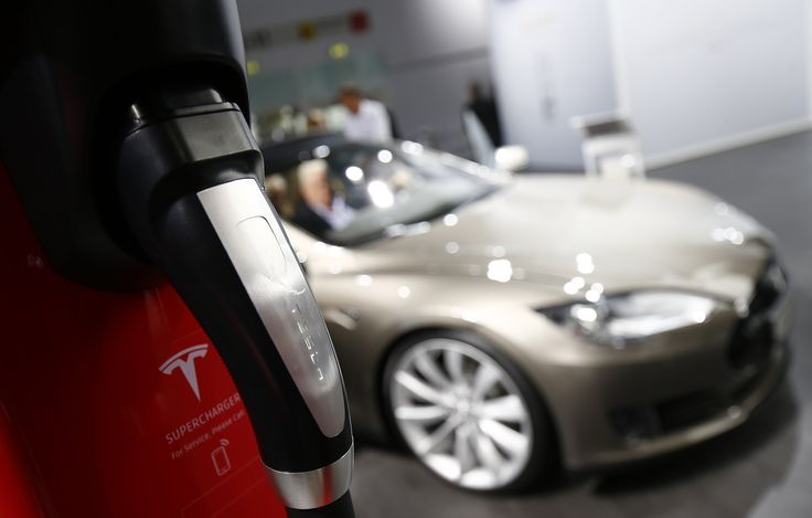 As long as cars run on internal combustion engines, we're falling short on the greenhouse gas emission reductions that we know are required write Timmons Roberts and Larry Chretien.