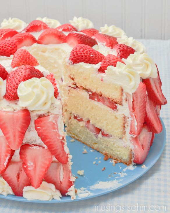 Heavenly Strawberries 'n Cream Cake - Musings From a Stay At Home Mom