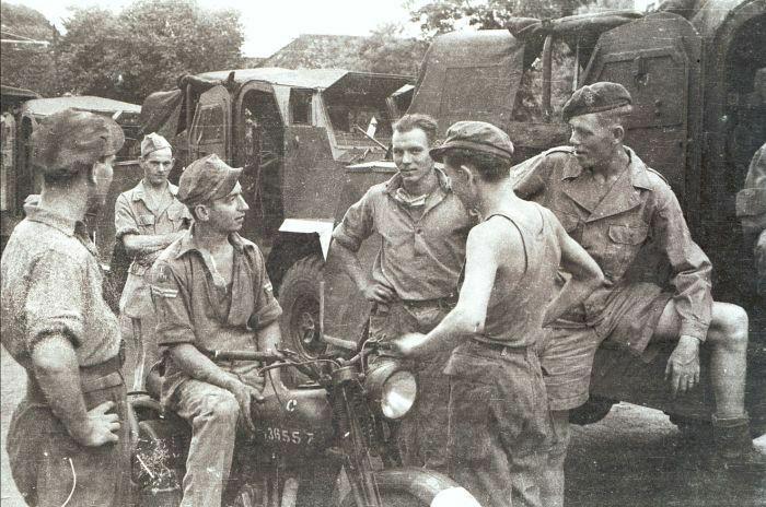 Konvoi militer KNIL selama Agresi Militer I di Jawa. 25-07-1947 - 05-08-1947.