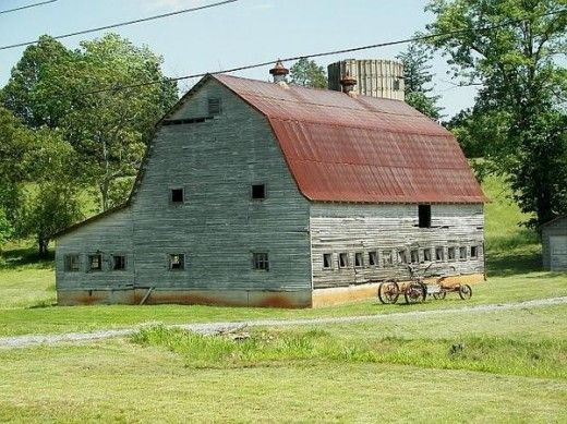 Oh my, old barn, you are majestic. Finding you here today takes me back to times forgotten. You must have been a busy barn back in the day. Your size tells me that you once (and maybe still) provided shelter for a large herd. Was it cattle or sheep? I wish that you would invite me in.