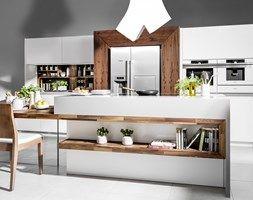 Kuchnia LUCCA VERTO - Duża otwarta kuchnia dwurzędowa z wyspą - zdjęcie od HALUPCZOK