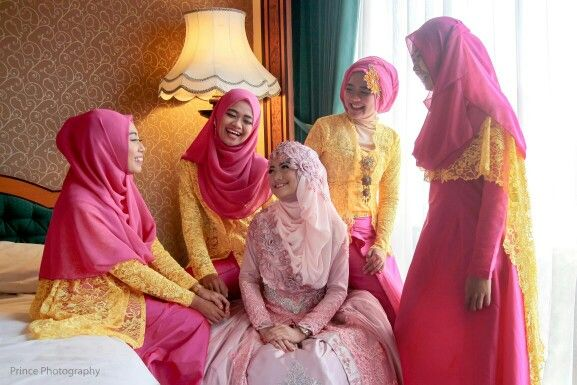 I think they're so adorable #hijab#wedding💐🌸