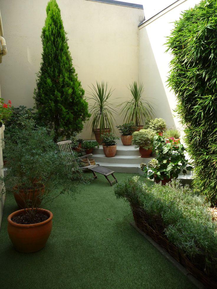 Les 13 meilleures images propos de les jardins ont du style sur pinterest - Gazon artificiel terrasse ...