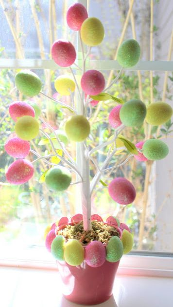 Make this budget savvy Easter tree and 45 BEST Spring Party, Craft & Decor Tutorials EVER with their LINKS!!! GIFT, PARTY, EVENT, SPRING, WEDDING DECOR. Blog & Photos from MrsPollyRogers.com